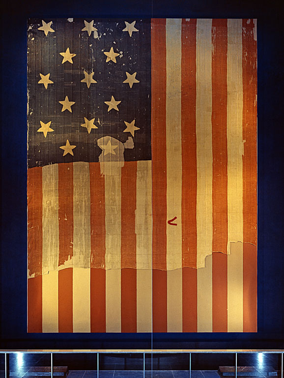Star_Spangled_Banner_Flag_on_display_at_the_Smithsonian's_National_Museum_of_History_and_Technology,_around_1964